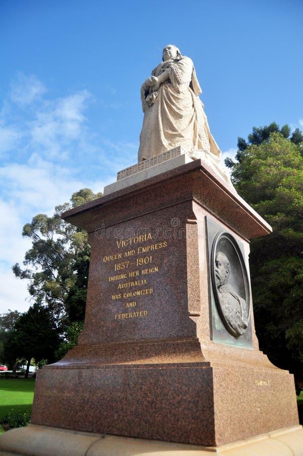 Rainha victoria e monumento do imperador no jardim em reis Parque e no jardim botânico em Perth, Austrália fotos de stock