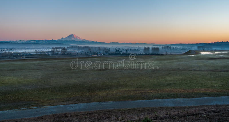 Rainier From Kent 3 arkivfoto