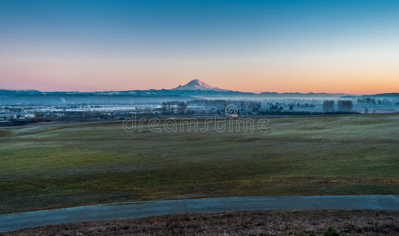 Rainier From Kent 5 arkivbilder