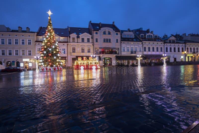 Rainy Christmas in Rzeszow lizenzfreie stockfotos