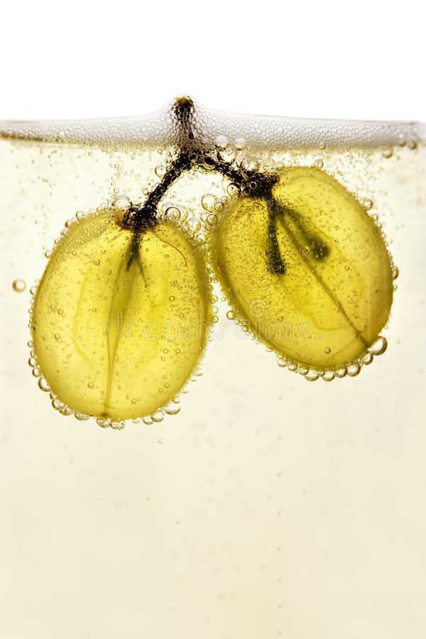 Raisins en champagne photo stock