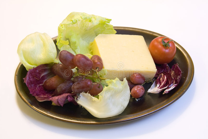 Raisins et radicchio de fromage images stock