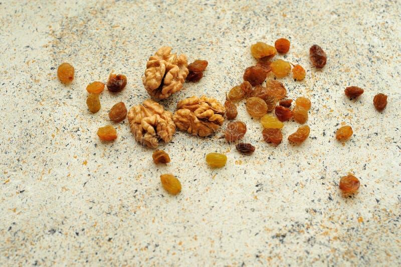 Raisins secs pour le fond repéré par texture photographie stock