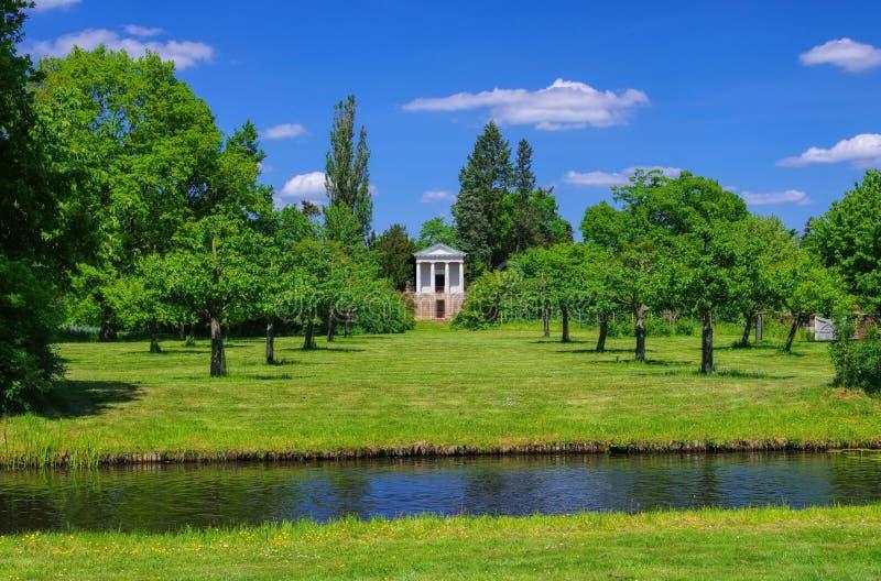 Raisons anglaises de temple de Woerlitz de flore photo libre de droits