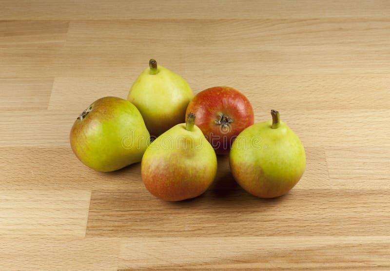 Download Raj bonkrety obraz stock. Obraz złożonej z owoc, jujitsu - 28962573
