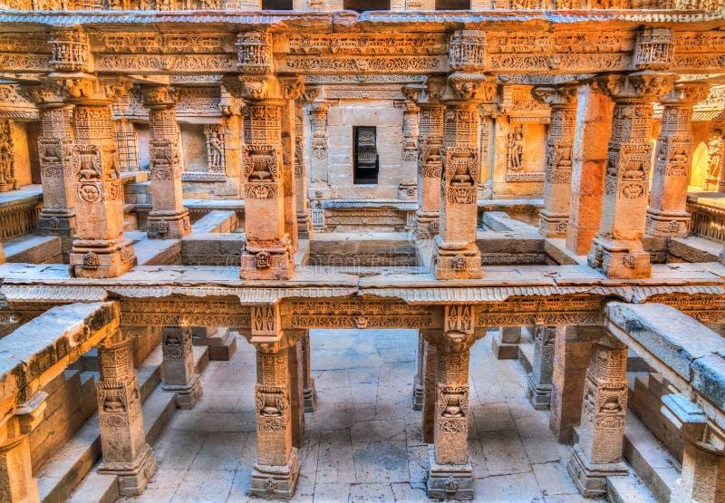 Rajas gemålkivav, en intricately konstruerad stepwell i Patan - Gujarat, Indien fotografering för bildbyråer