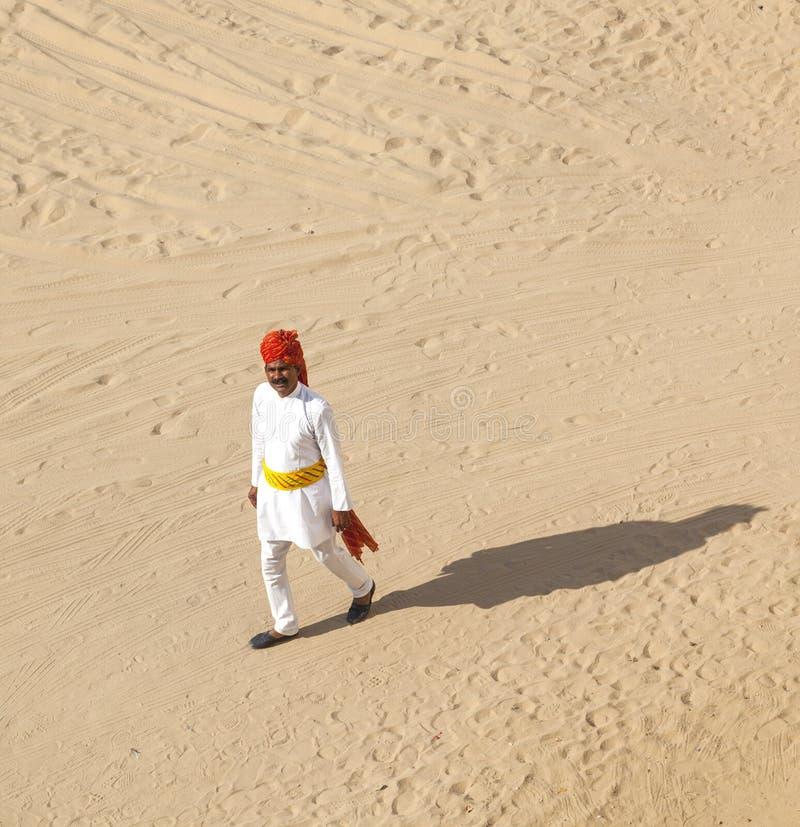 Rajasthani mężczyzna z jaskrawą czerwienią zdjęcia royalty free