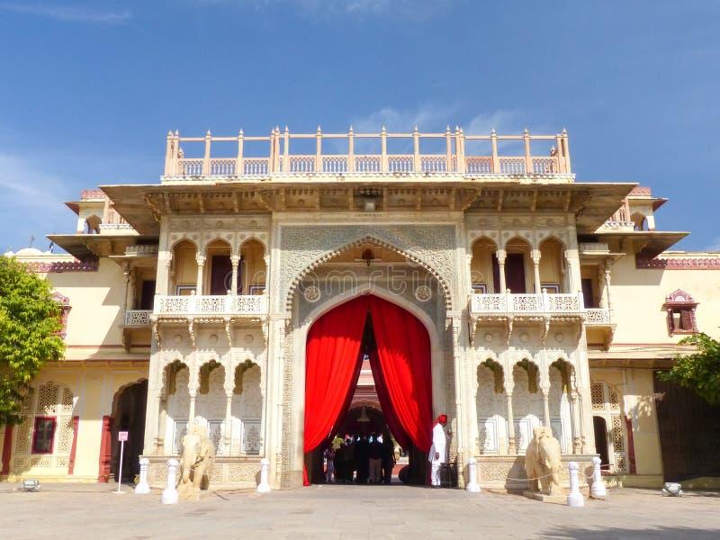 Rajendra Pol no palácio da cidade de Jaipur, Rajasthan, Índia fotos de stock