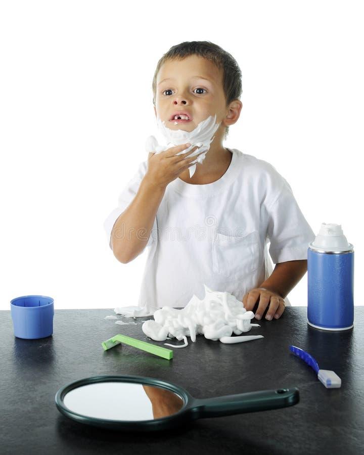 Raka förskolebarnet arkivfoto
