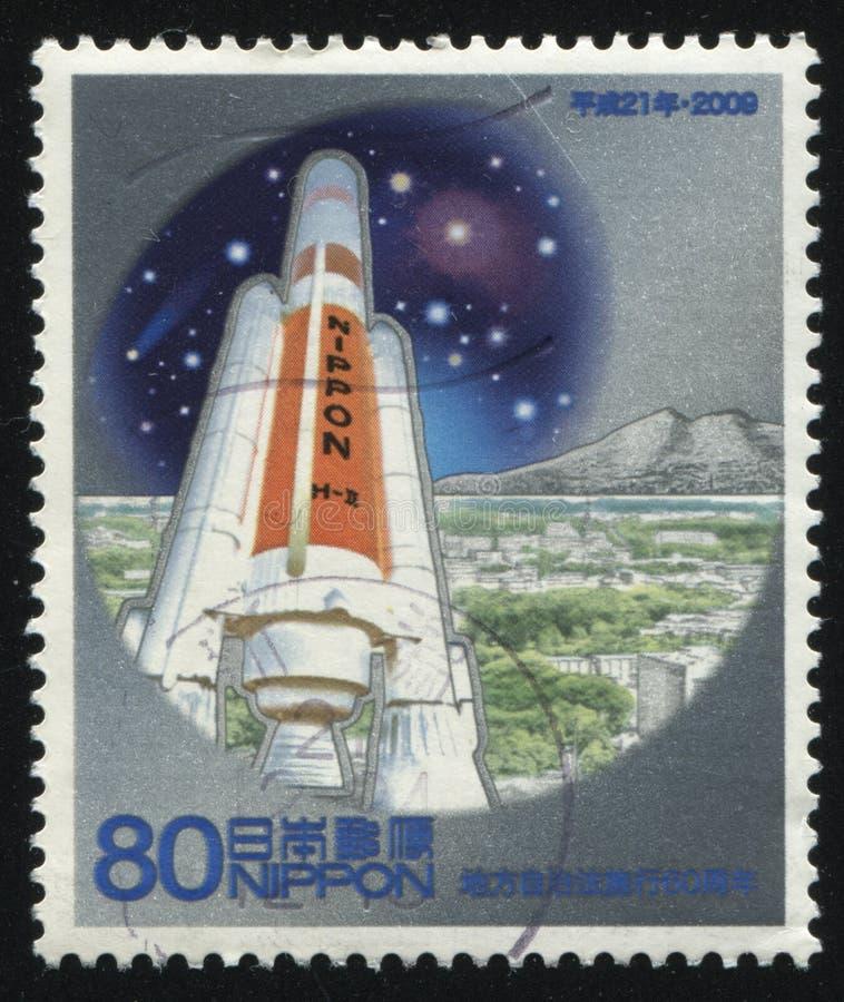 Raket die in ruimte wordt gelanceerd stock afbeeldingen