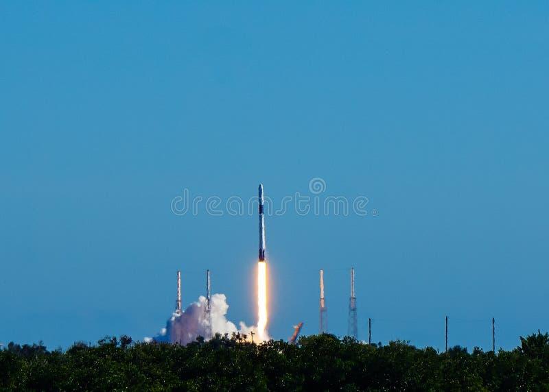 Raketenstart in Florida stockfotos