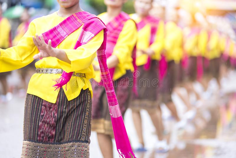 Rakietowy festiwal, Tajlandzkiego północnego wschodu lokalna kultura zaczyna pora deszczowa, Tajlandzki taniec fotografia royalty free
