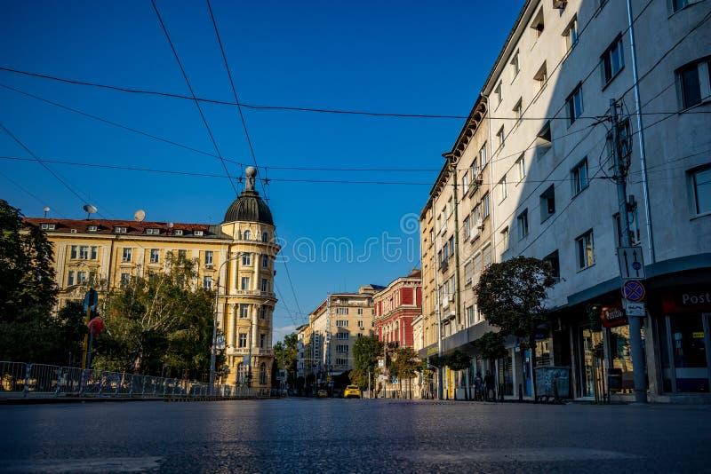 Rakovska-Straße in Sofia, Bulgarien, Sommerzeit stockfoto