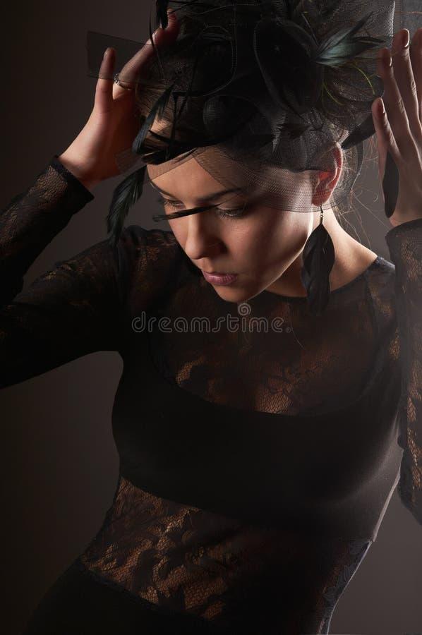 rakt för headwear modell för skönhetkvinnlig set royaltyfri fotografi