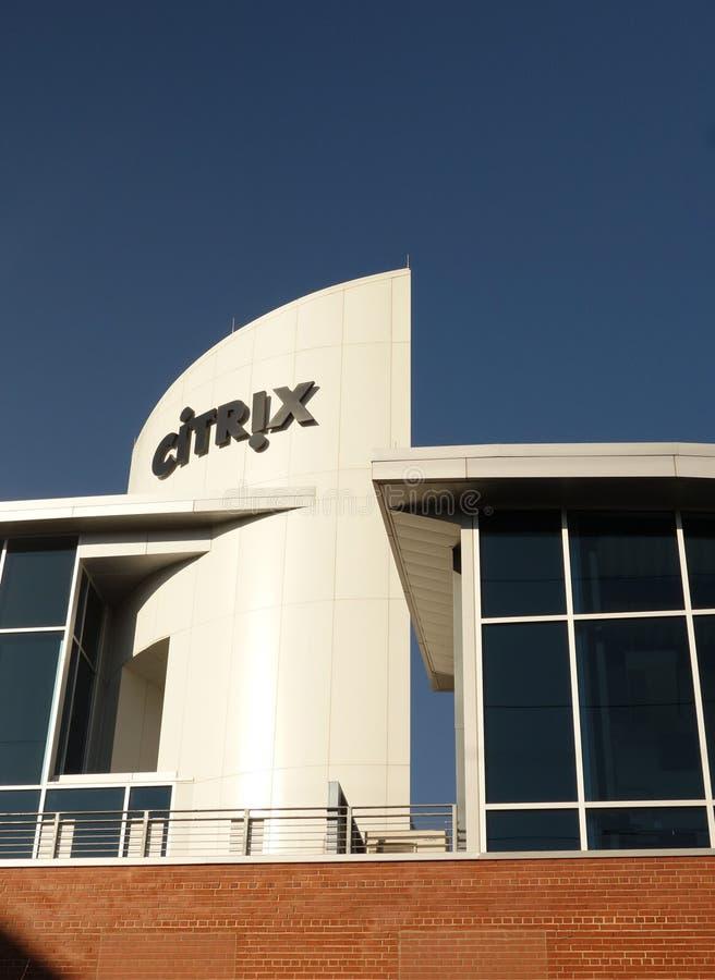 RALEIGH NC/USA - 2-06-2019: Citrix och Sharefile kontorsbyggnad i i stadens centrum Raleigh, NC arkivfoton