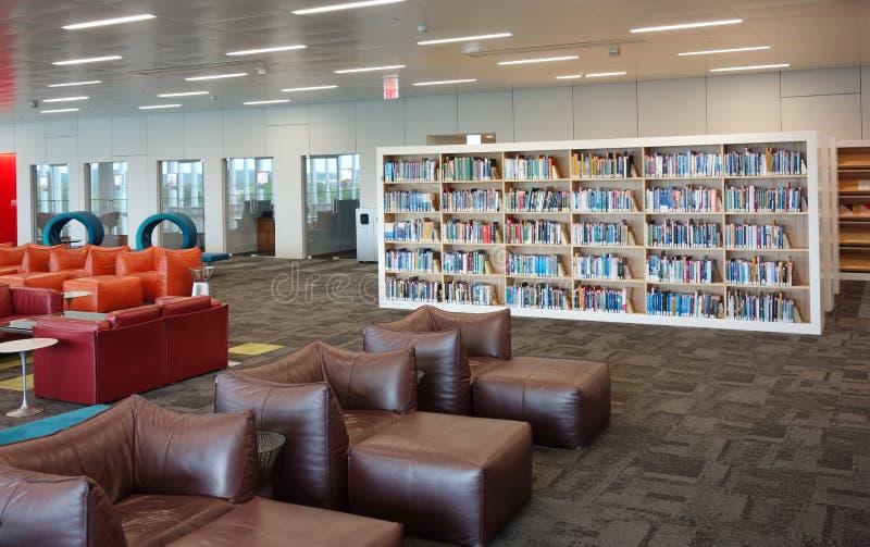 RALEIGH, NC/USA - 5-23-2019: De James Hunt-bibliotheek op Honderdjarige Campus van NC-de Universiteit van de Staat in Raleigh NC royalty-vrije stock afbeeldingen