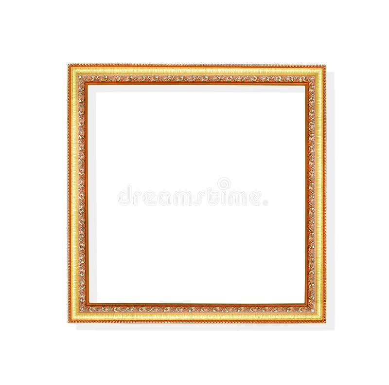 Ram för bild för ursnygg metall för garnering guld- med att snida blommamodeller som isoleras på vit bakgrund med urklippbanan arkivbild