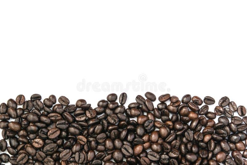 Ram för kaffebönor på vit bakgrund royaltyfri fotografi