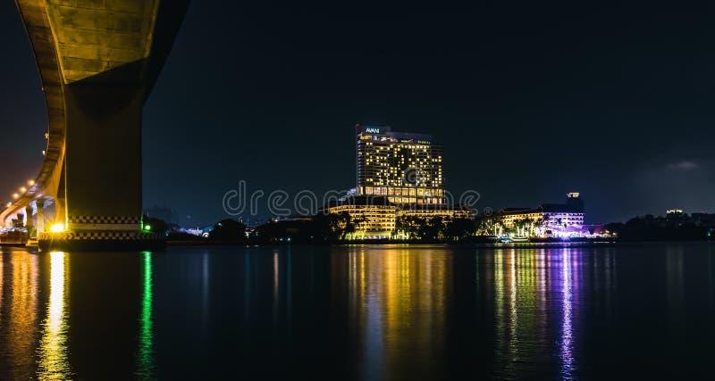 Rama 3泰国曼谷河phraya夜 免版税库存图片