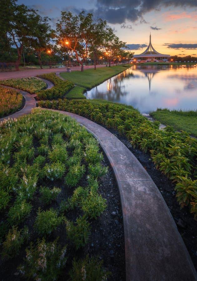 Rama9 jawny park w zmierzchu widoku fotografia stock