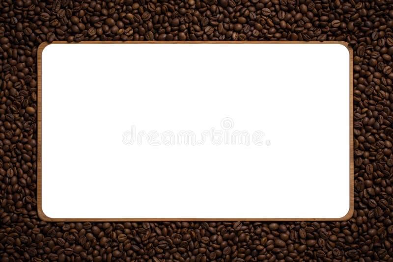 Rama robić od piec kawowych fasoli nad białym tłem zdjęcia royalty free