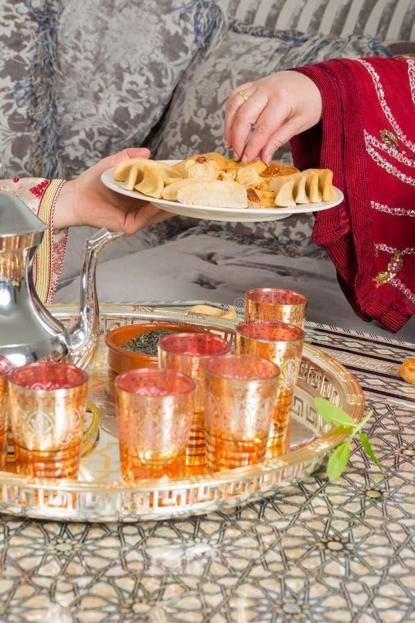 Download Ramadan ciastka dla gości zdjęcie stock. Obraz złożonej z islamski - 53784356