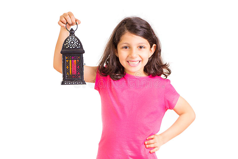 Ramadan Kareem - glückliches junges Mädchen in Ramadan stockbild