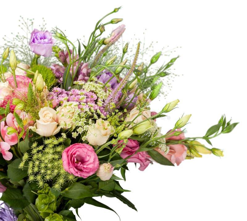 Ramalhete bonito das flores isolado no branco fotografia de stock