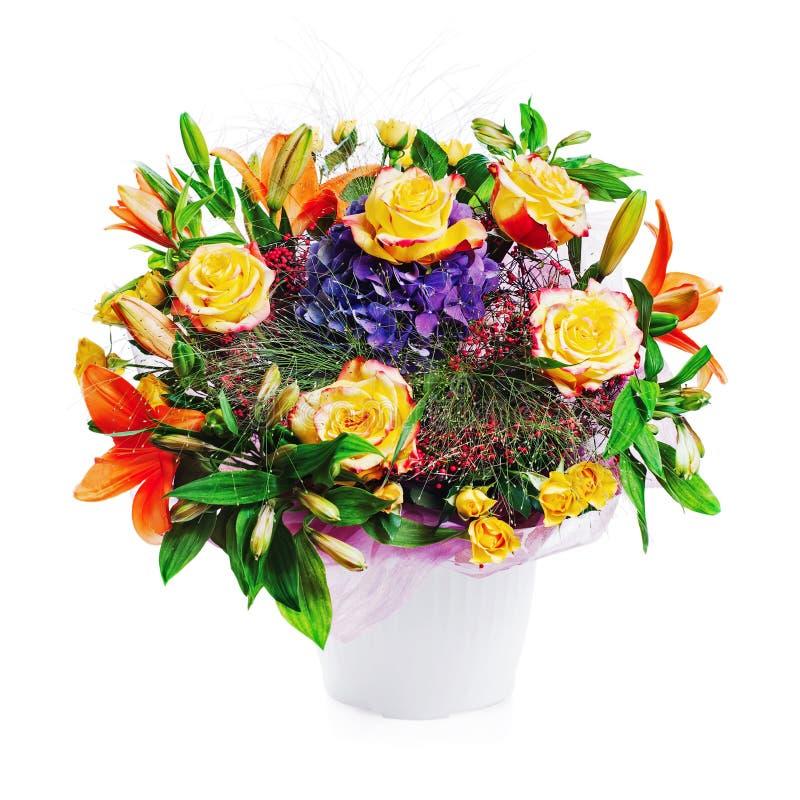 Ramalhete colorido da flor isolado no fundo branco fotos de stock