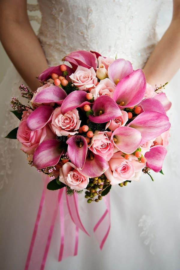 Ramalhete cor-de-rosa do casamento foto de stock royalty free