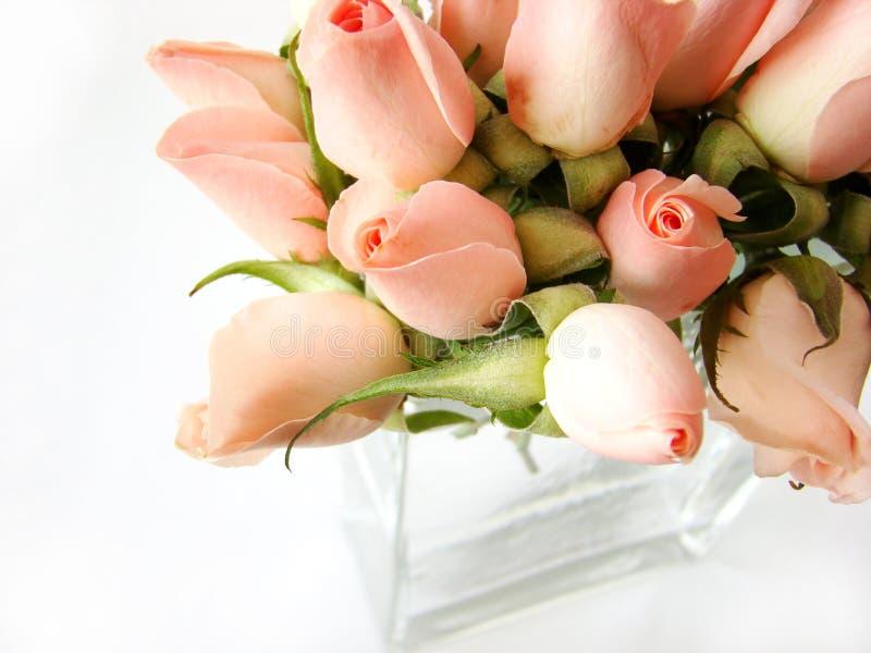 Ramalhete cor-de-rosa pequeno das rosas imagens de stock