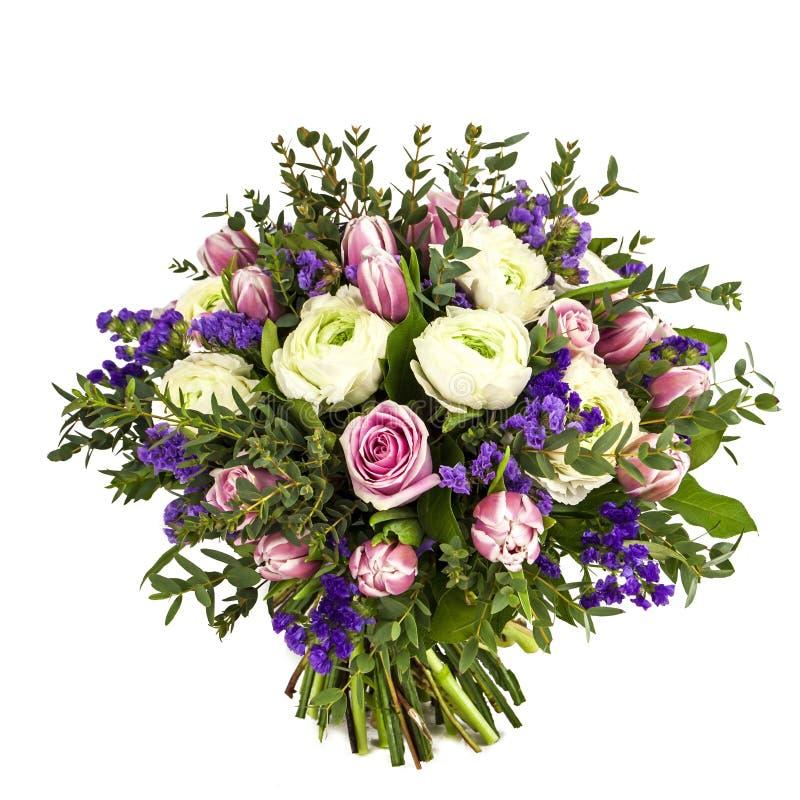 Ramalhete das flores cor-de-rosa, brancas e violetas isoladas no branco imagem de stock royalty free