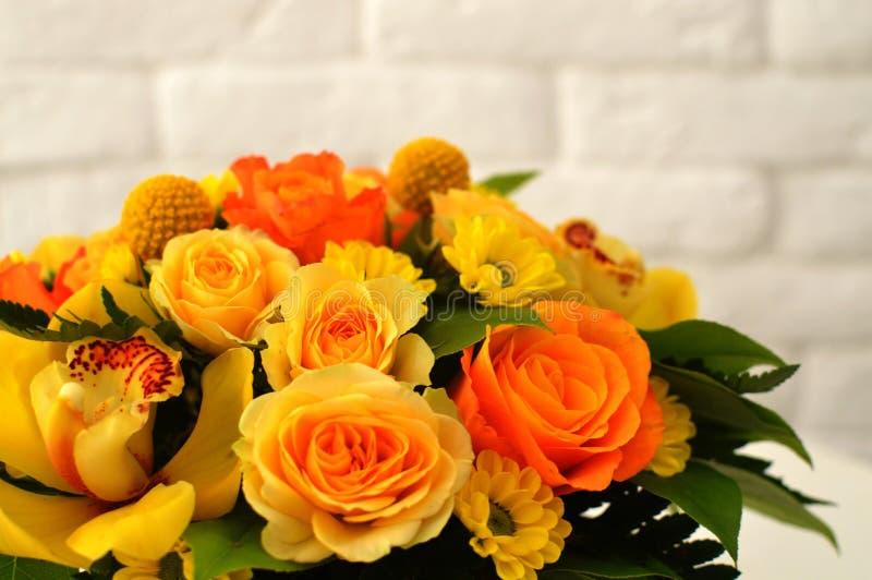 Ramalhete das flores por um dia de mãe fotografia de stock royalty free