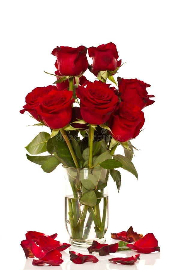 Download Ramalhete Das Rosas Em Um Vaso De Vidro Imagem de Stock - Imagem de grande, feriados: 29831499