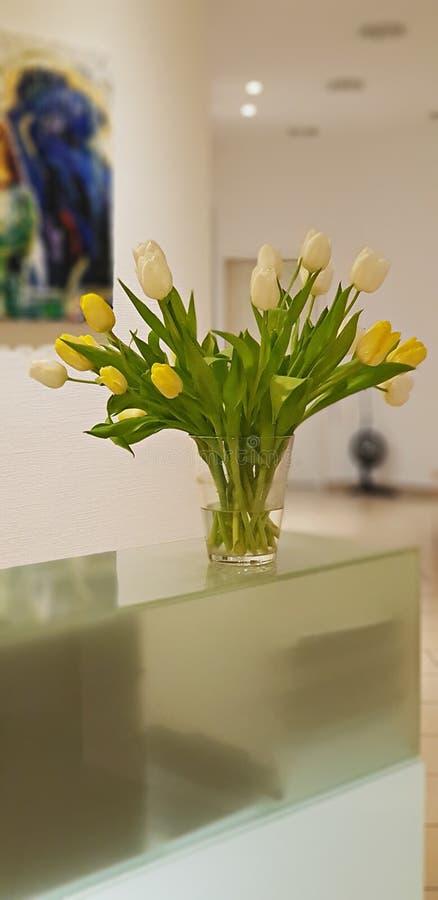 Ramalhete das tulipas imagens de stock
