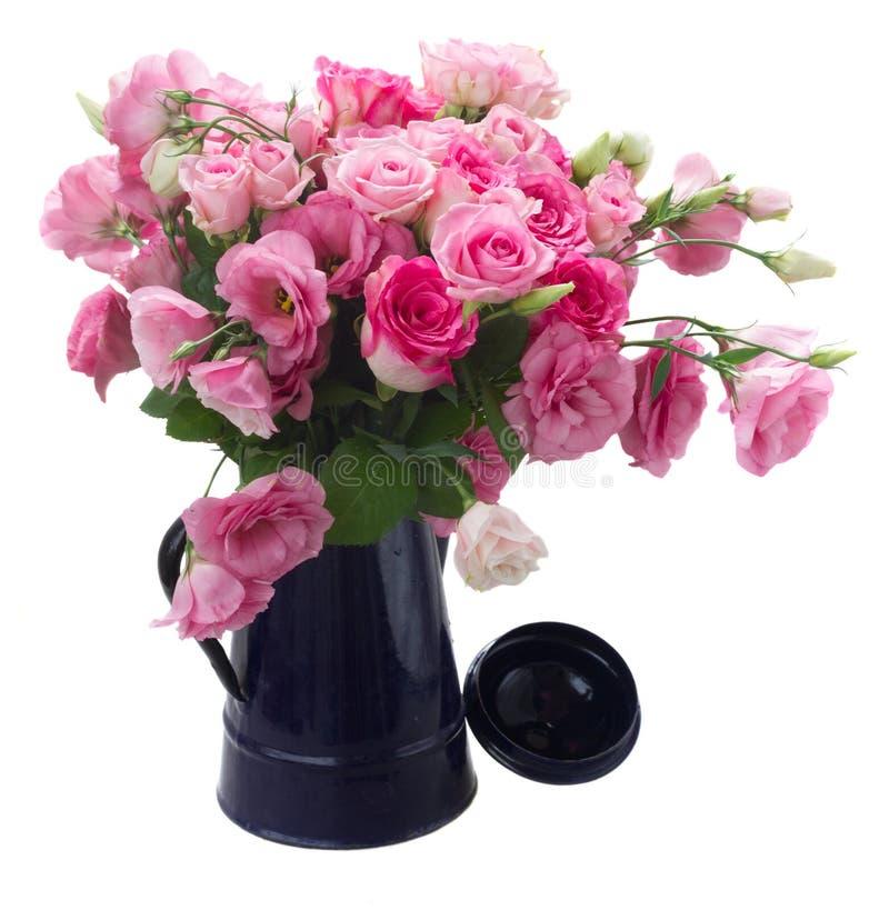 Ramalhete de rosas frescas foto de stock