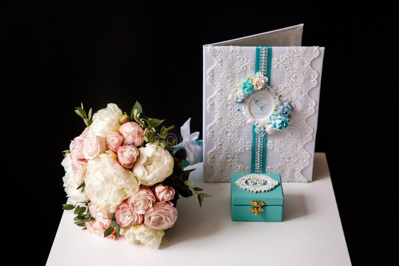 Ramalhete do casamento das flores imagem de stock