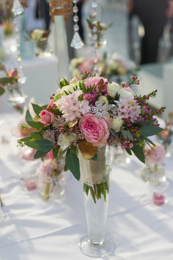 Ramalhete do casamento para a noiva imagens de stock royalty free