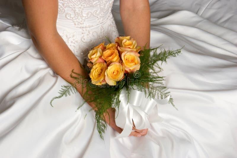 Ramalhete do vestido de casamento imagens de stock