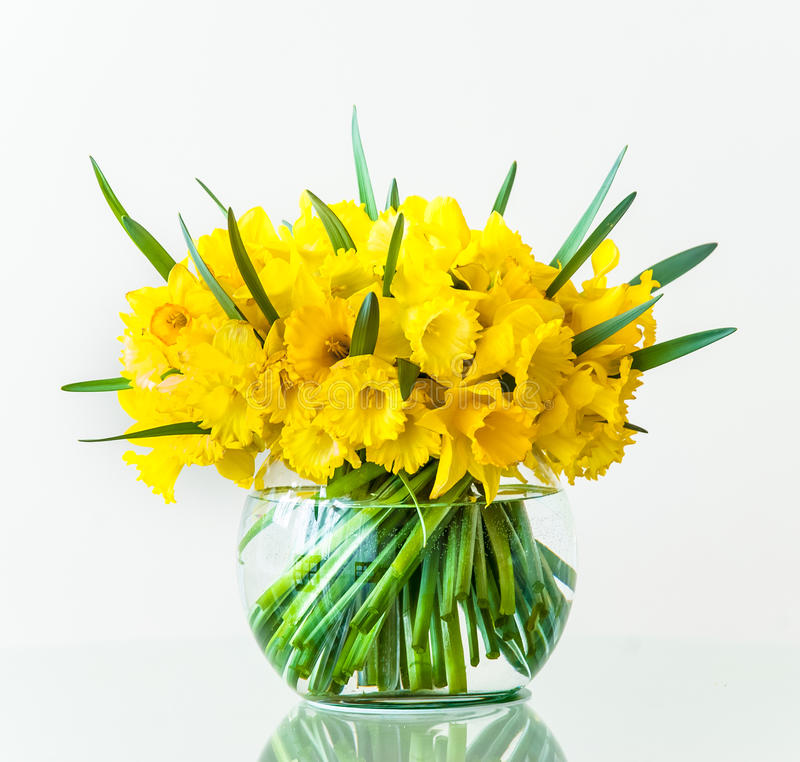 Ramalhete dos narcisos amarelos fotografia de stock royalty free