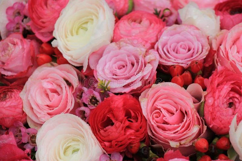 Ramalhete nupcial cor-de-rosa misturado imagens de stock royalty free