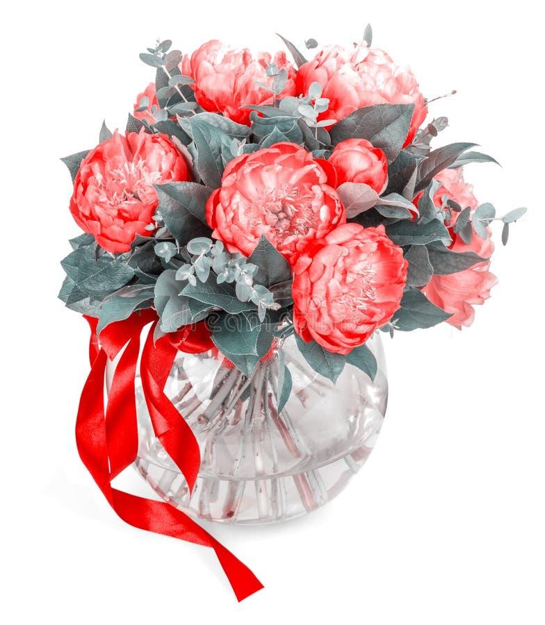 Ramalhete surpreendente de pions cor-de-rosa no branco fotografia de stock royalty free