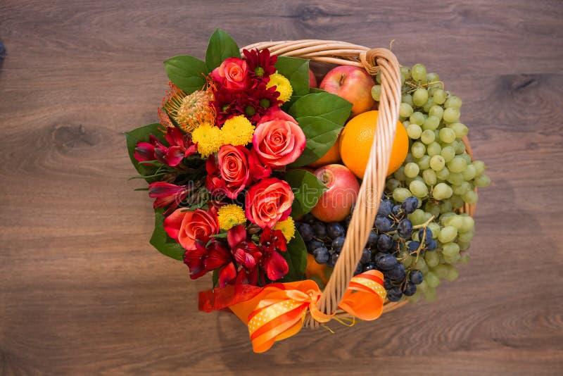 Ramalhetes de flores dos varios fotografia de stock royalty free