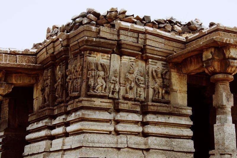 Ramayana cyzelowania, Palasnath świątynia, Palasdev na stojących wodach Ujani tamy maharashtra obrazy stock