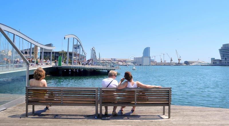 Rambla de mars et port Vell à Barcelone, Espagne image libre de droits