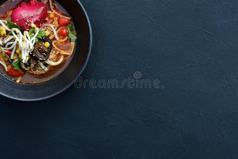 Ramen παραδοσιακό υπόβαθρο κουζίνας τροφίμων ασιατικό στοκ εικόνες με δικαίωμα ελεύθερης χρήσης