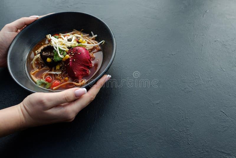 Ramen σπιτικό γεύμα γρήγορου φαγητού συνταγής κινεζικό στοκ φωτογραφία
