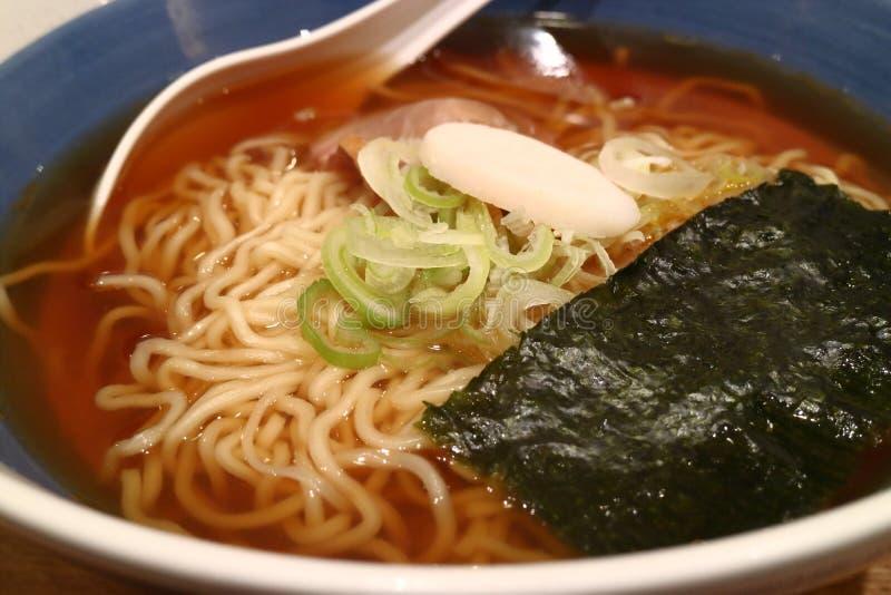 Ramen de Shoyu, macarronetes japoneses fotografia de stock