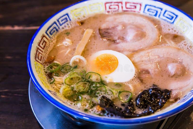 Ramen deliciosos do chashu do mukashi em Kurume, Fukuoka - close up imagem de stock royalty free