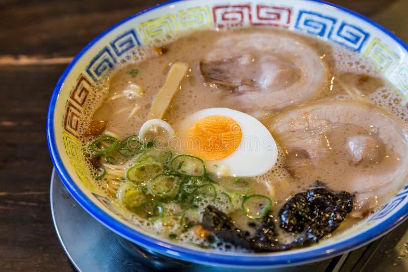 Ramen deliciosos do chashu do mukashi em Kurume, Fukuoka - close up imagens de stock